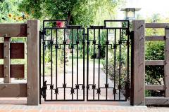 robinson-garden-gate