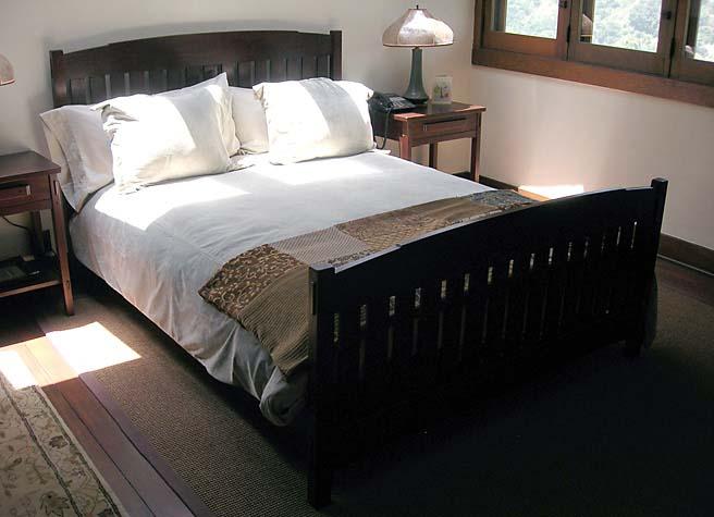 Robinson Slat Bed