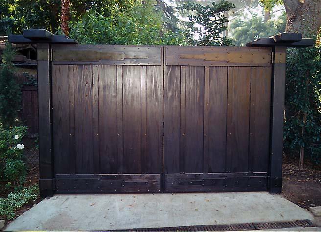 metal-robinson-gate_2