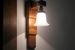 sconce-stepped-wall_1