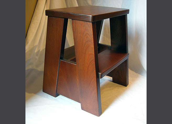 seating-ankeny-step-stool-carmel