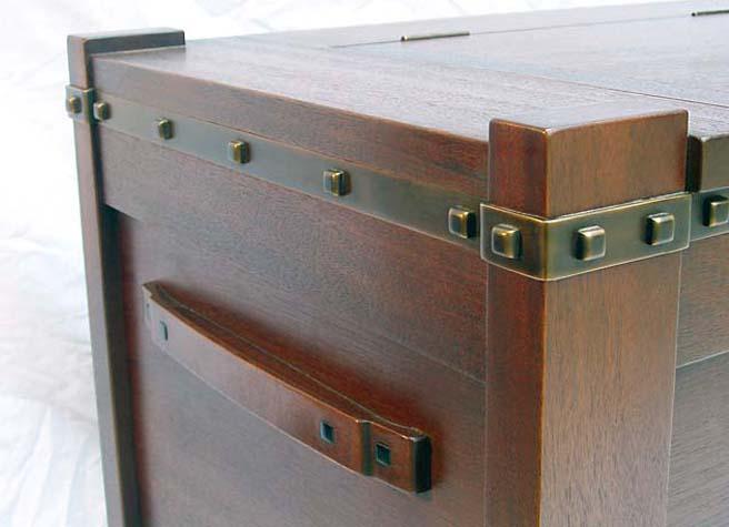 Robinson Woodbox Detail