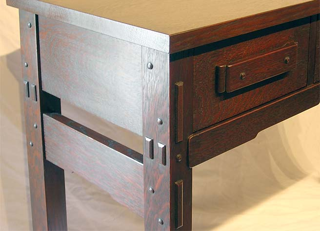 Robinson Desk Detail