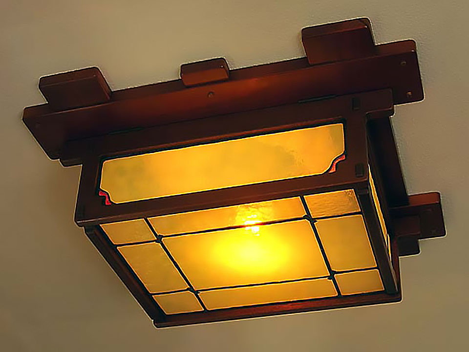 ROBINSON GUEST BEDROOM CEILING FIXTURE