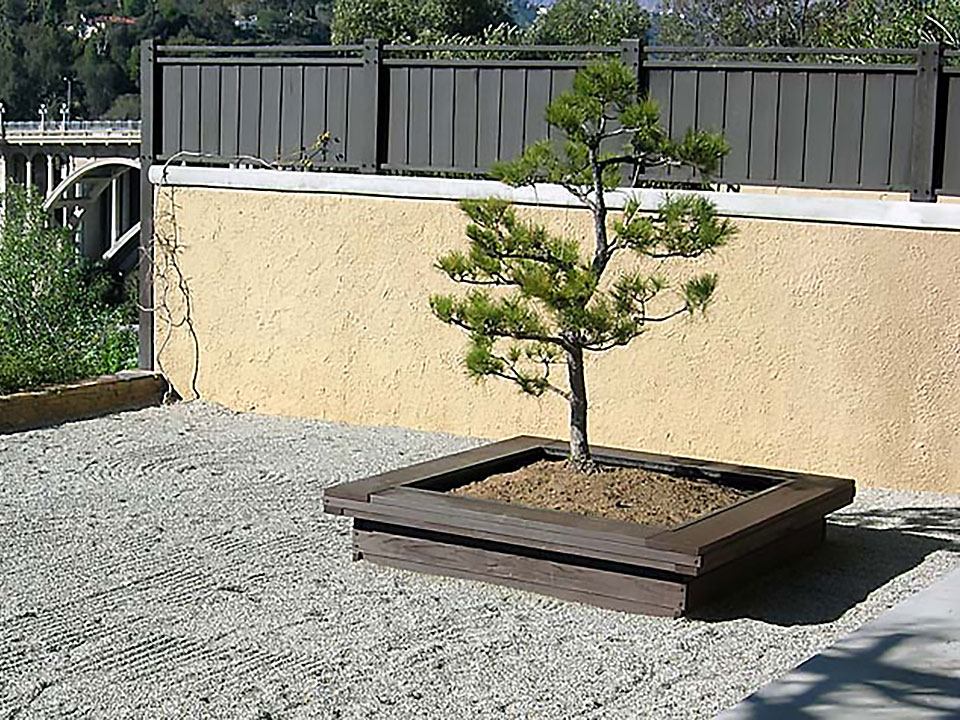 ROBINSON BONSAI PLANTER 2