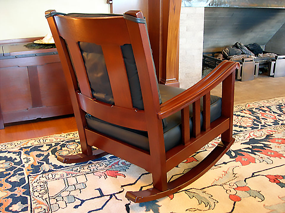 ROBINSON ROCKING CHAIR 2